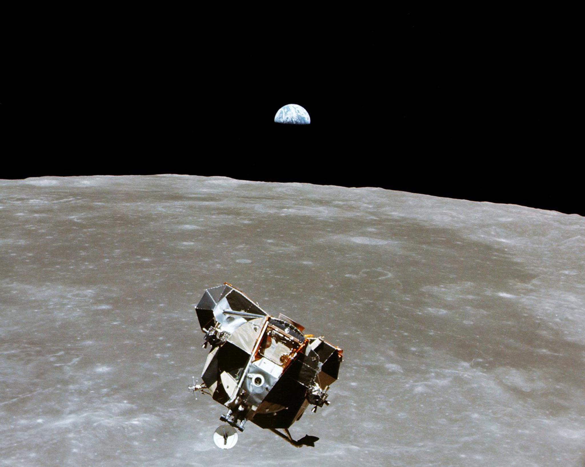 Indian Probe Takes Clear Photo of Apollo 15, Hopefully Smashing Chandrayaan-1 pictures from moon