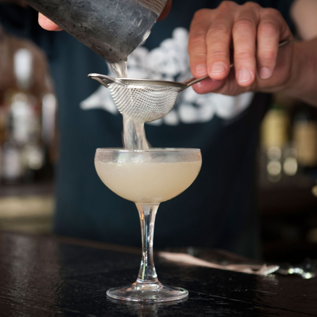 6 NYC Mixologists Reveal Their Go-To Summer Vodka CocktailRecipes