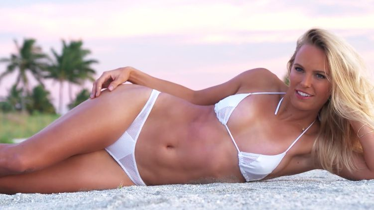 ... Ronda Rousey Are Unbelievably Hot In Their SI Swimsuit Videos - FAF