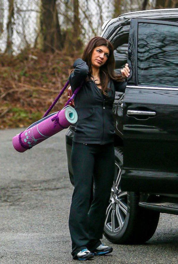 This Is What it Looks Like When Teresa Giudice Relaxes her Bodybuilder Diet on Vacation (PICS)