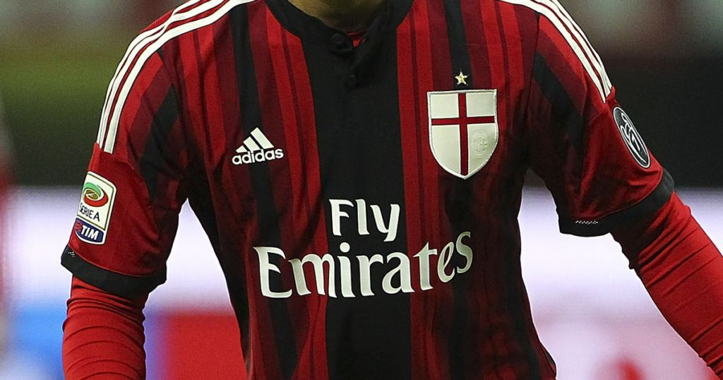 new style c9ef8 e04d4 LEAKED: AC Milan's Three 2015/16 Kits