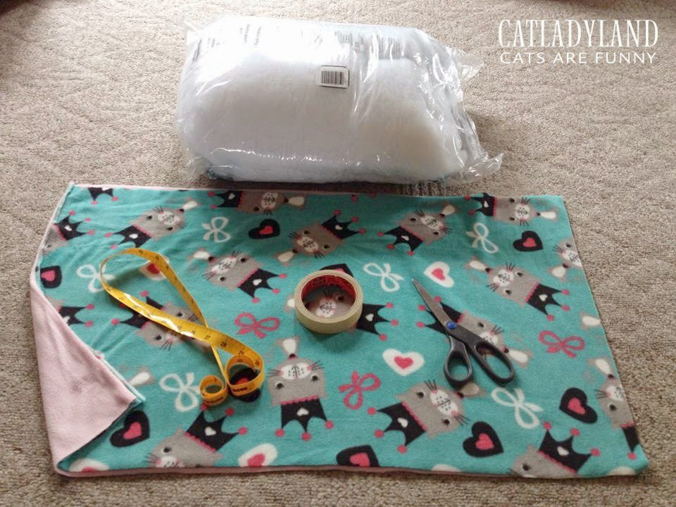 Catladyland cats are funny you need to make this easy for How to make a cat bed easy