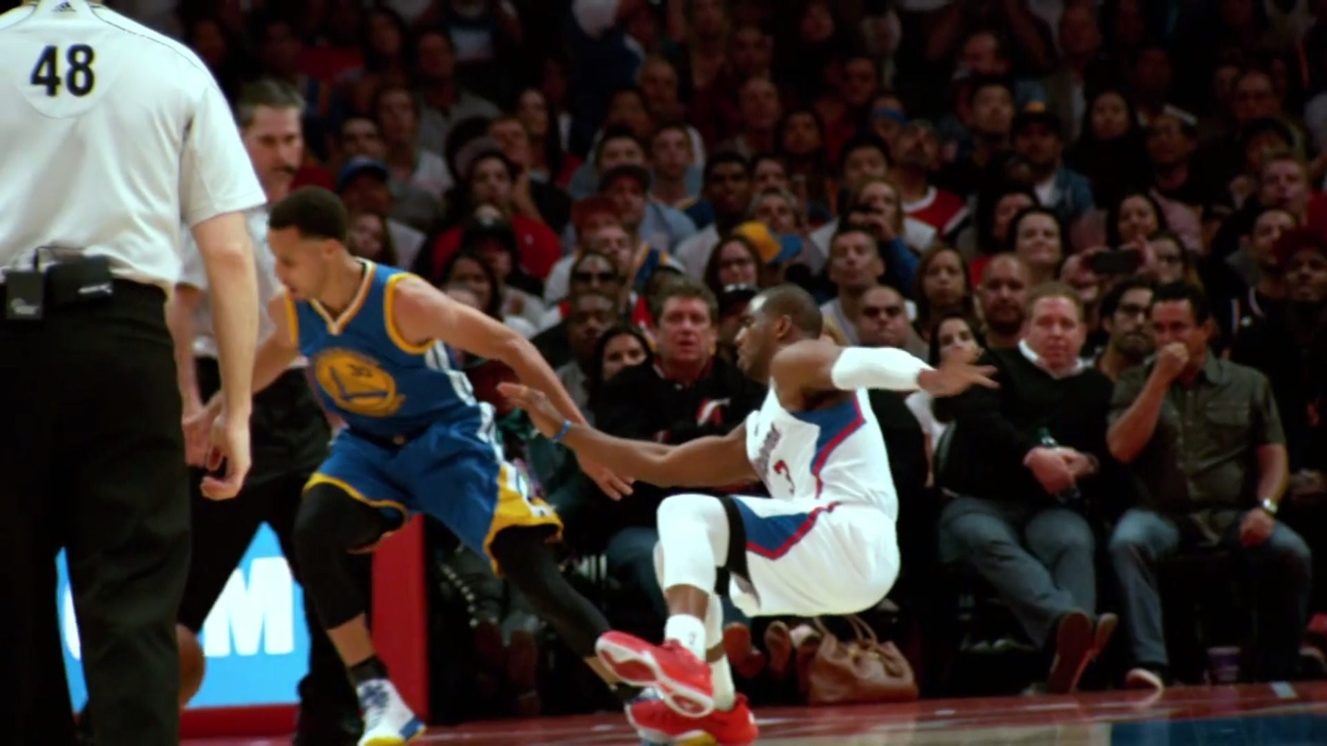 stephen curry makes chris paul fall with wicked crossover