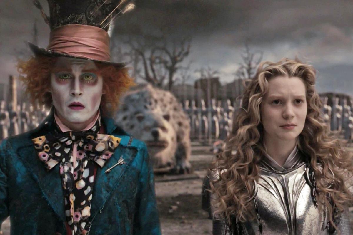 Алиса в стране чудес с джонни деппом картинки, днюхой брат объемные