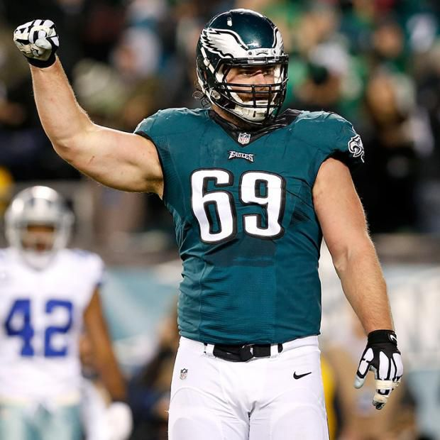 Broncos agree to sign ex-Eagles guard Evan Mathis