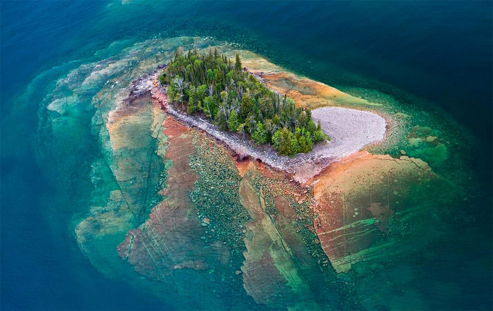 Small island of lake superior photo Small islands around the world