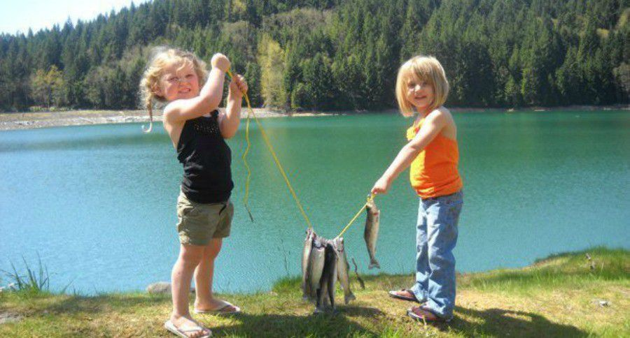 Odfw family and youth trout fishing opportunities in for Free fishing weekend oregon