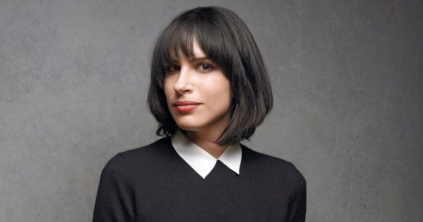 desiree akhavan appropriate behavior trailer