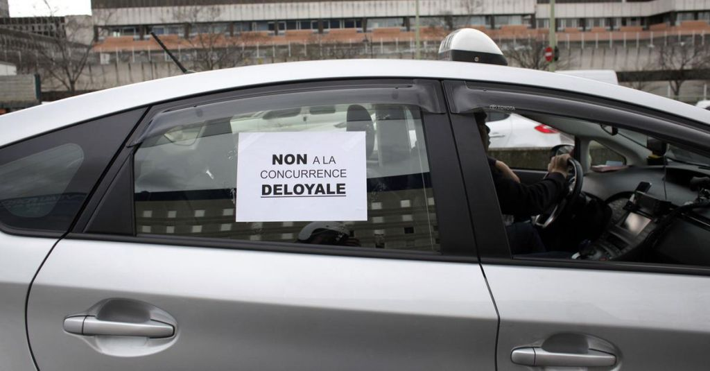 pro uber rules fuel paris taxi driver strike. Black Bedroom Furniture Sets. Home Design Ideas