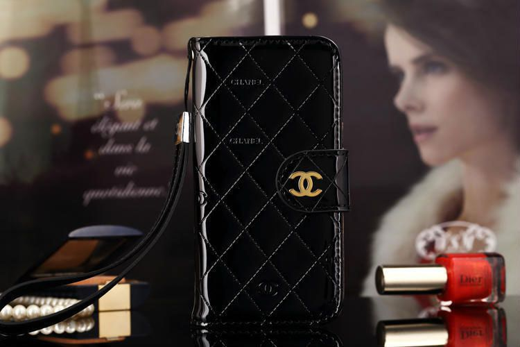 best service d684b b070b Chanel iPhone 6 Plus Leather Case Wallet