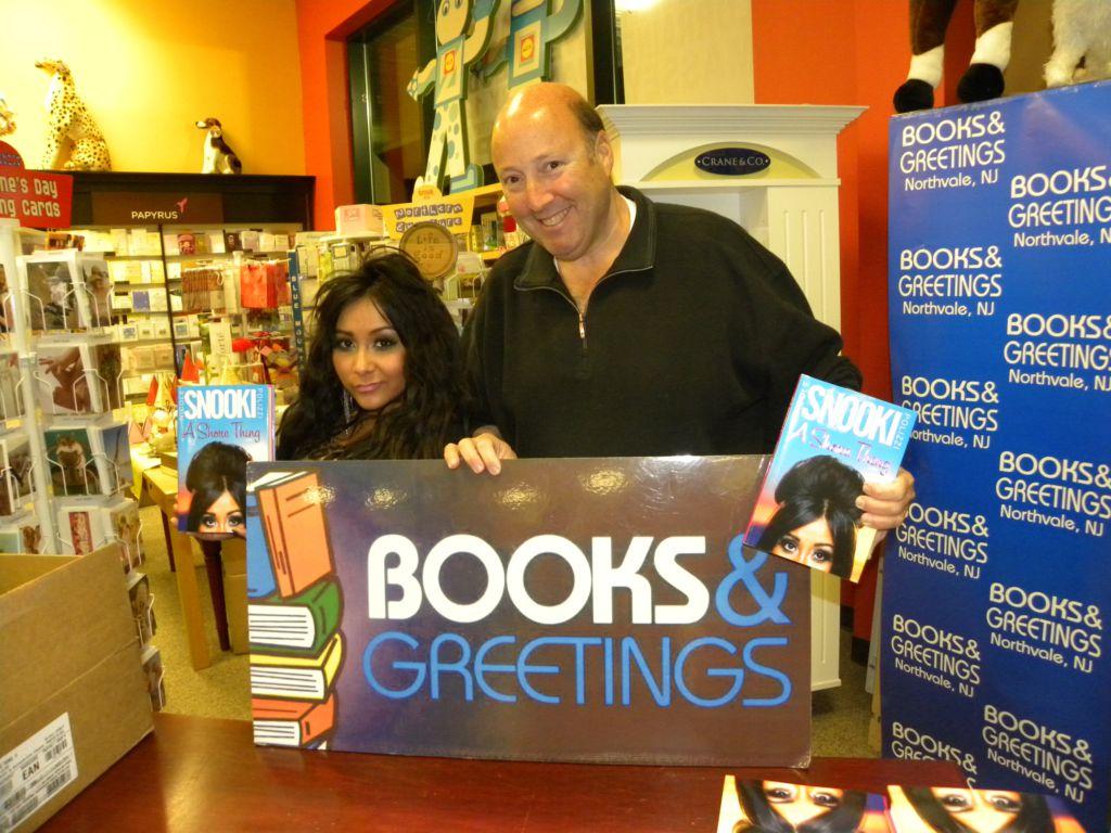 Booksandgreetings on lockerdome books and greetings m4hsunfo