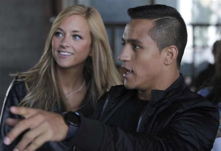 Alexis Sanchez dumped by girlfriend Laia Grassi for not performing well enough in bed