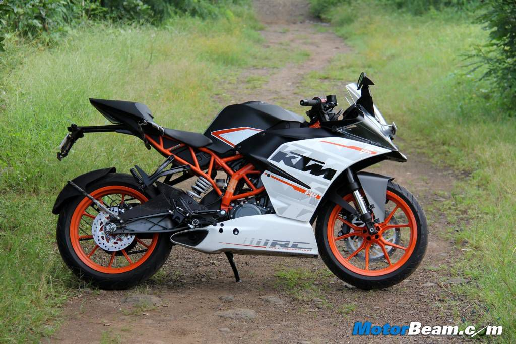 ktm rc 390 costs twice the price of yamaha r25 in indonesia. Black Bedroom Furniture Sets. Home Design Ideas