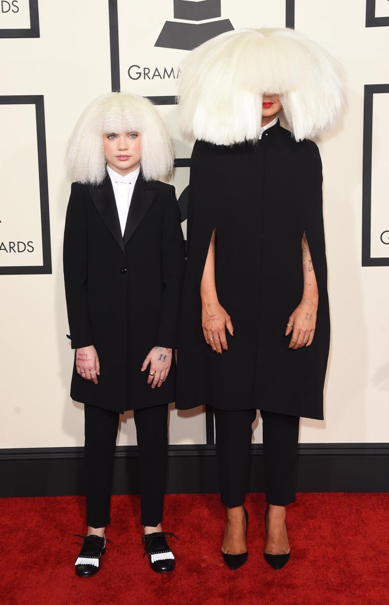 maddie wiig Maddie Ziegler Performs With Sia, Kristen Wiig, At The 2015 Grammys [VIDEO,  PHOTOS]