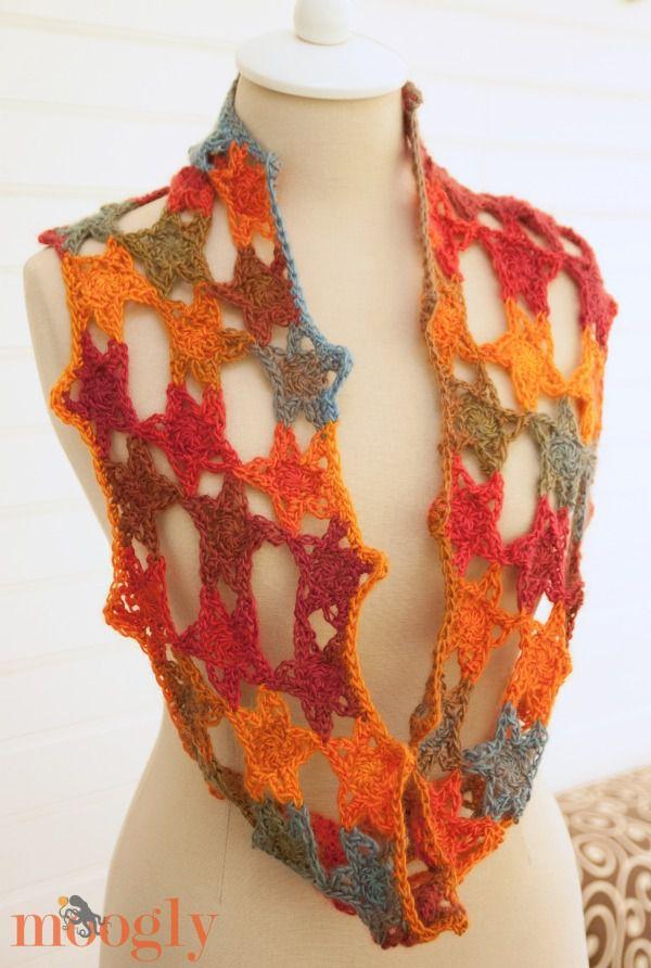 Free #Crochet Pattern: Starstuff Cowl by Moogly!