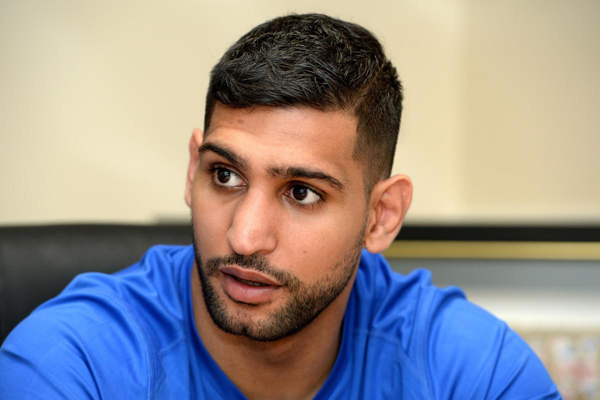 boxer amir khan targeted in a spectacularly inept