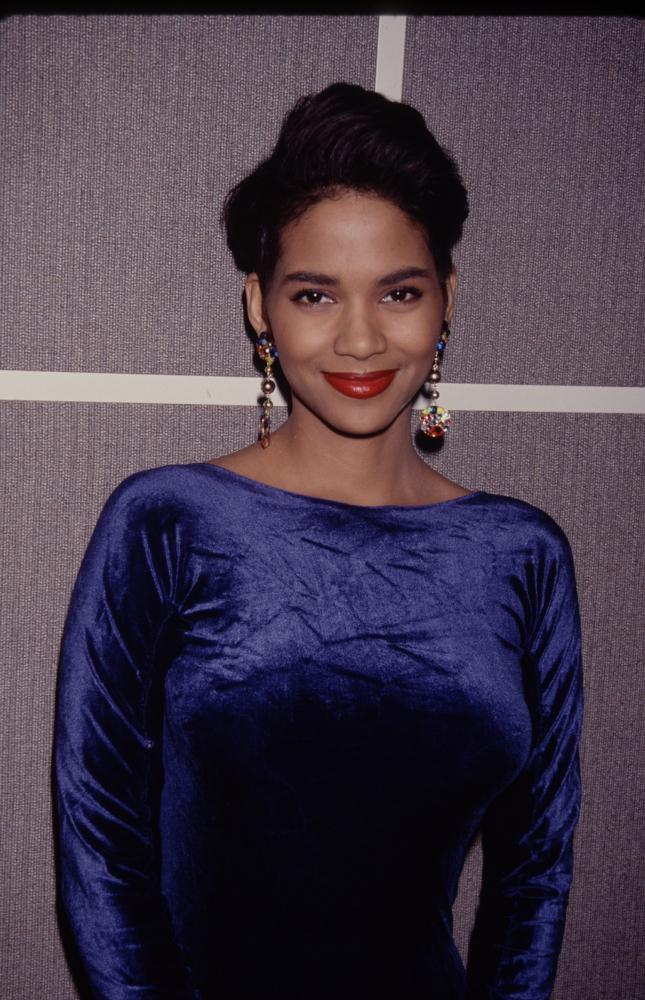 Happy Birthday Halle Berry: 11 Signature Hair Moments Halle Berry Hair