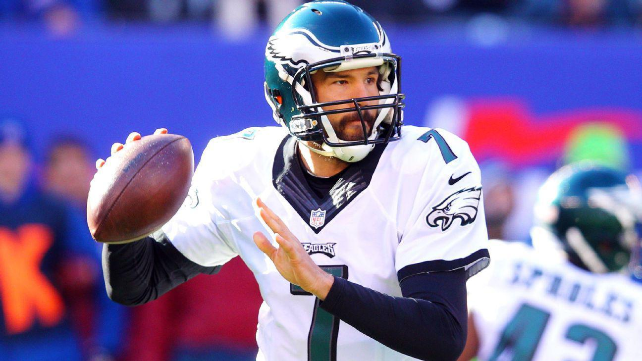 Sam Bradford ran hot and cold for Eagles in 2015