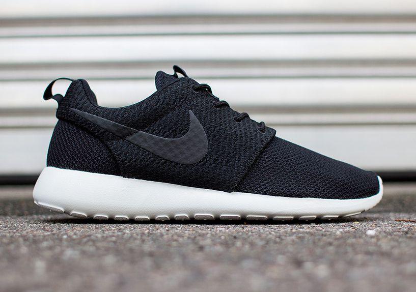 innovative design ddbcc ac1ae Nike Roshe Run - Black - Light Ash Grey - White - SneakerNew