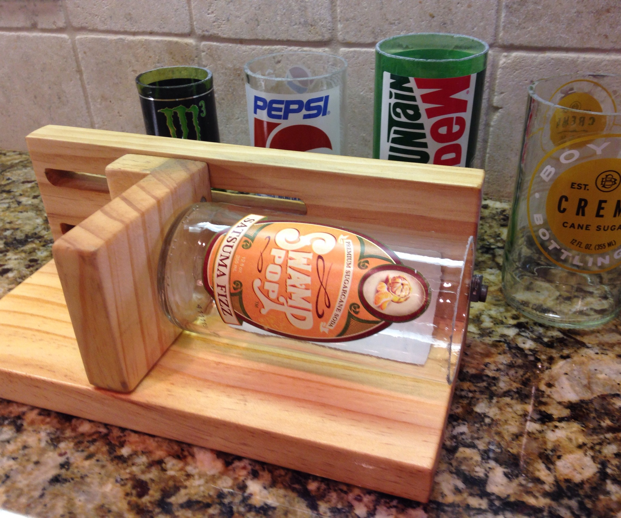 Adjustable glass bottle cutter for Glass cutter to make glasses from bottles