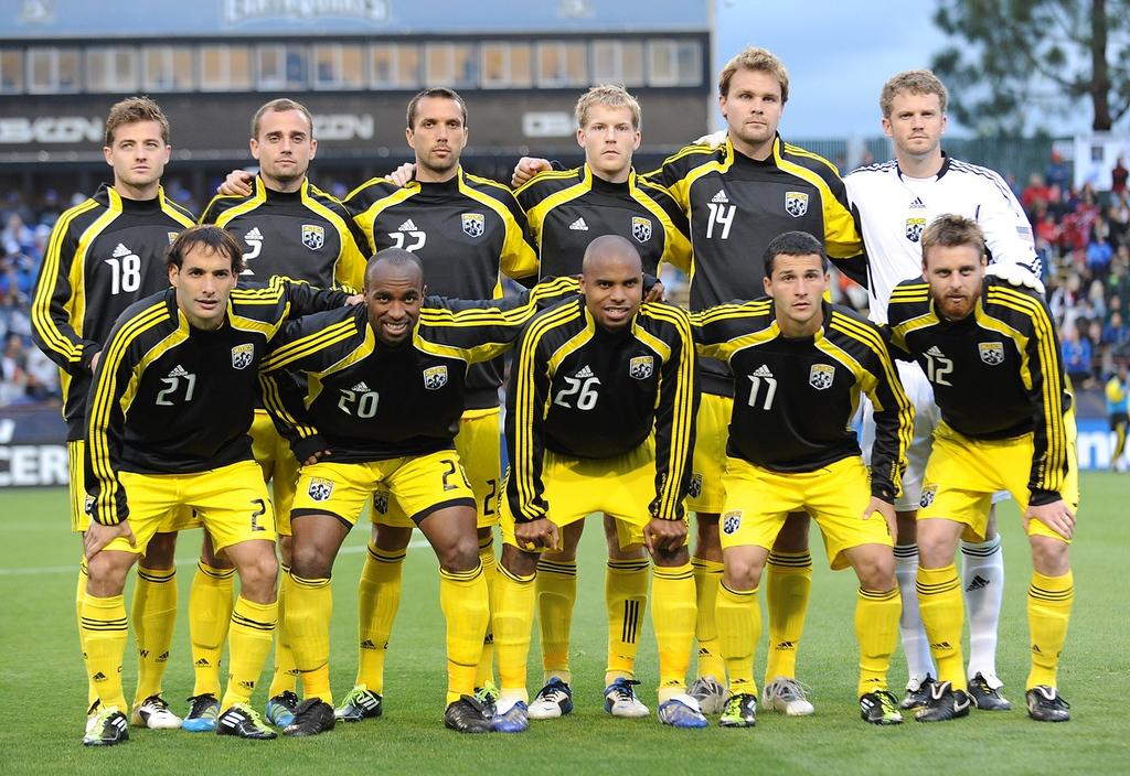 Der Columbus Crew Soccer Club im deutschsprachigen Raum bekannt als Columbus Crew ist ein USamerikanisches FußballFranchise der Major League Soccer MLS aus