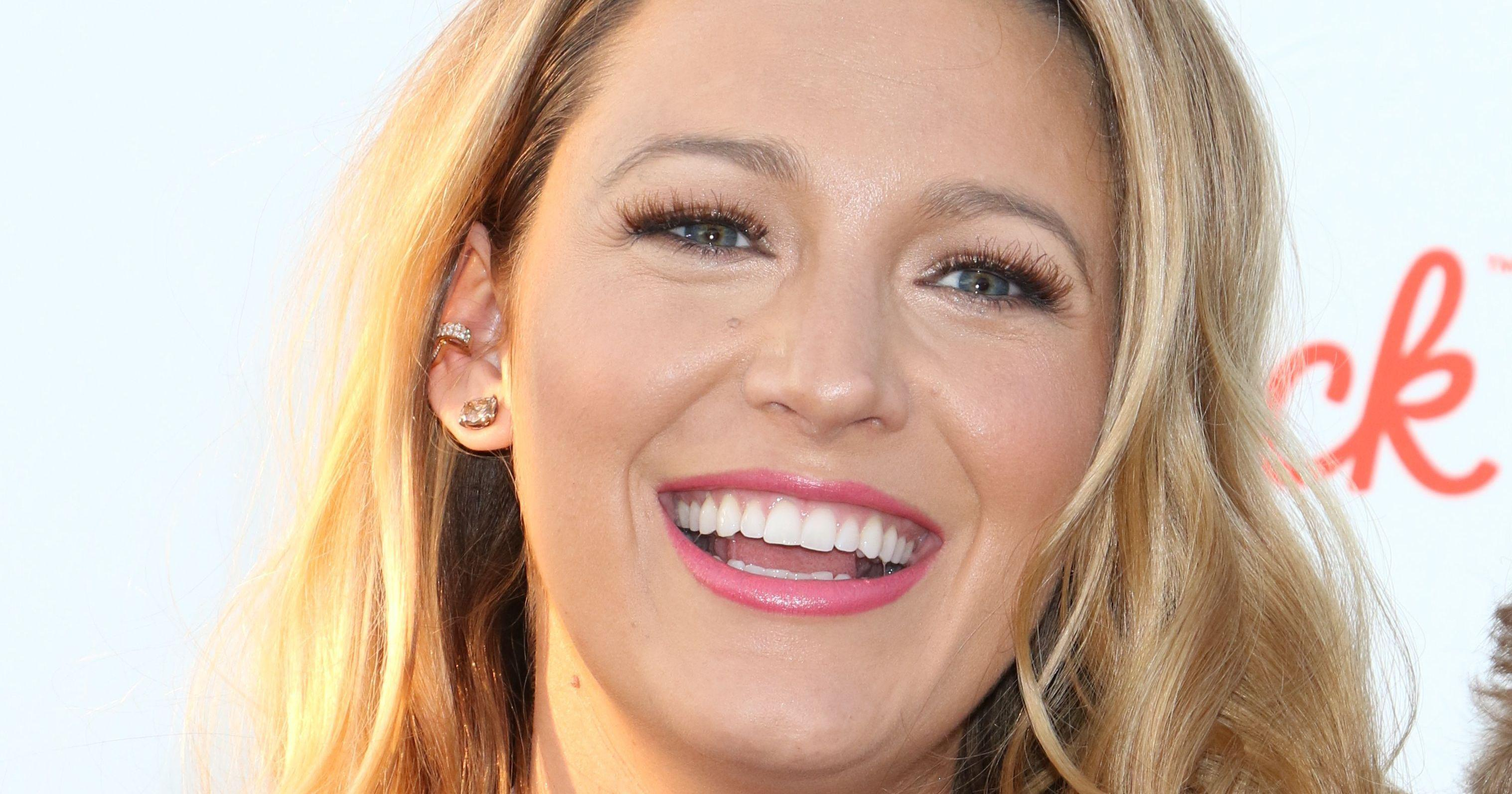 Blake Lively Makes Fun Of Her Cheerleading Past Blake Lively