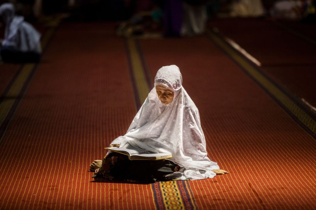 women in islam The subordination of women in islam and in iran exemplifies the inequality of women and how it is deeply rooted in the philosophy of islam in conjunction with this, there is a strong resistance of women under oppression of islam.
