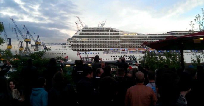 Cruise Ship Blasts The White Stripesu0026#39; U0026quot;Seven Nation Armyu0026quot; On Its Horn