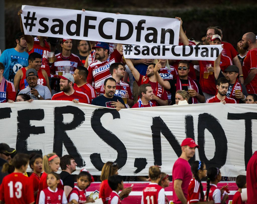 Photos Fc Dallas Fans Show Displeasure With Ownership During 2 1 Loss To Galaxy