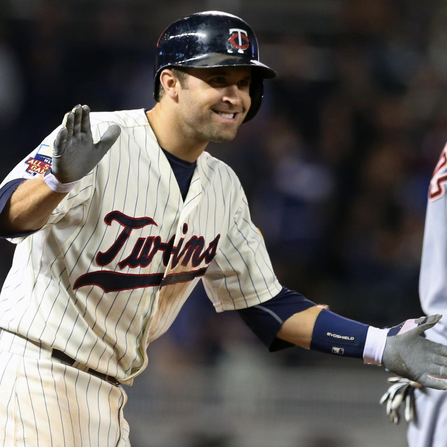 Twins Sign Dozier To 4-Year Extension