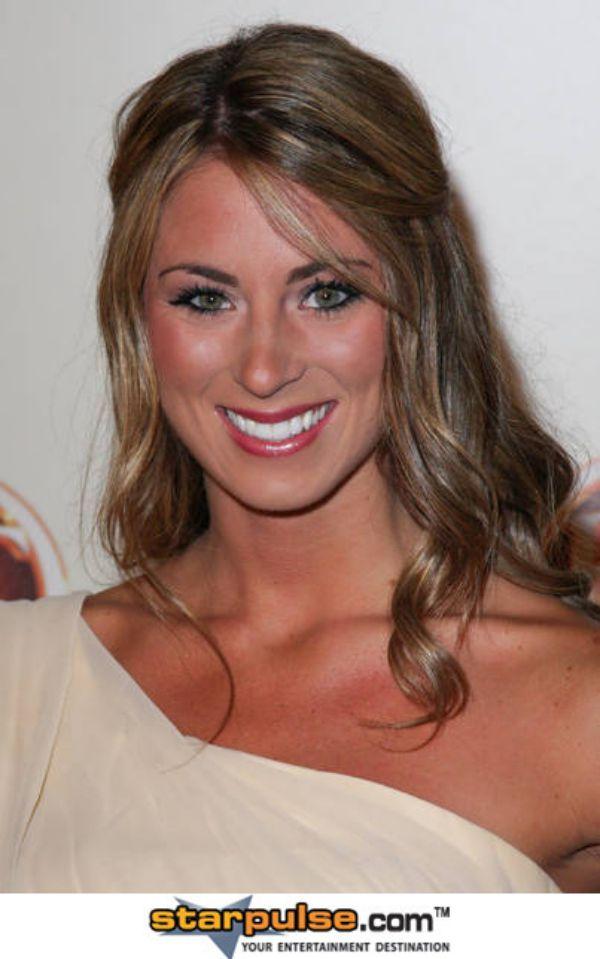 Danielle Keaton Nude Photos 39