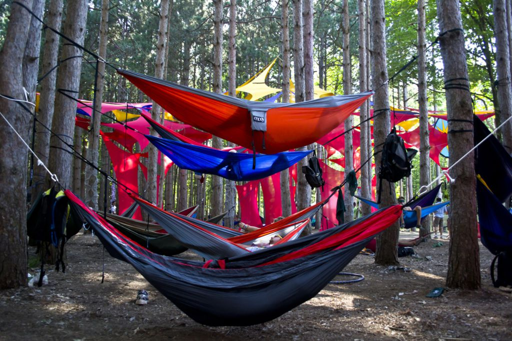 there are also pool side hammocks which generally feature a wooden spreader at the head and toe of the hammock that allows you to lay flat     the word about hammocking  rh   theodysseyonline