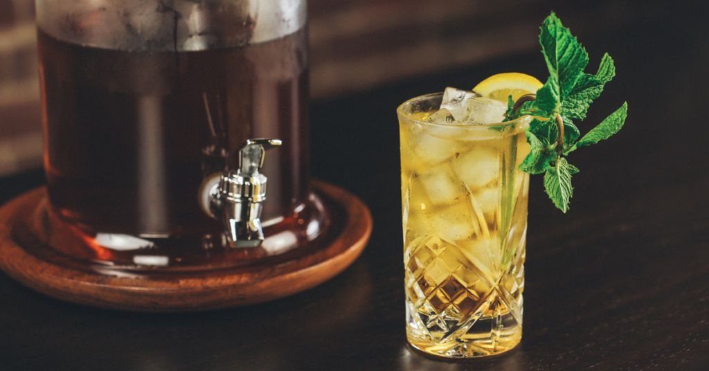 Bourbon sweet tea is your new cocktail obsession for Iced tea and whiskey drink