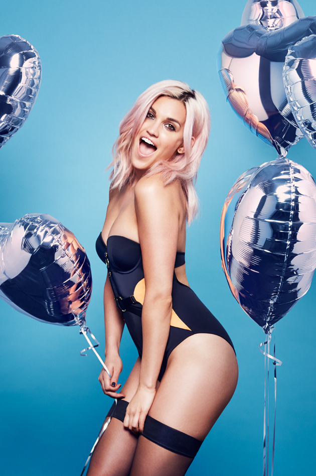 former pussycat doll ashley roberts is your sexy saturday