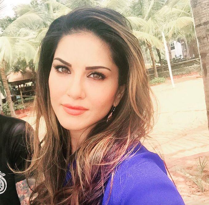 Sunny Leone Tweets Dubsmash Videos On Twitter Former Xxx -8070