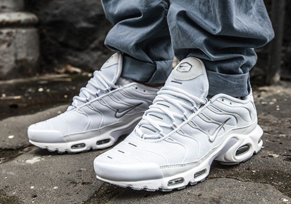 competitive price 93adb b549c nike air max plus on feet