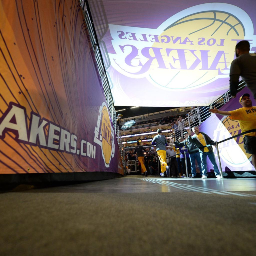 Bsn Denver Sports: Lakers, Nuggets Players Lock Arms During National Anthem