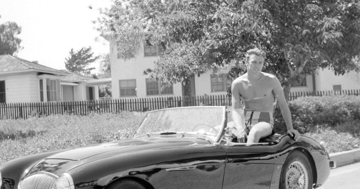 11 Captivating Pictures Of A Young And Sexy Clint Eastwood In 1956