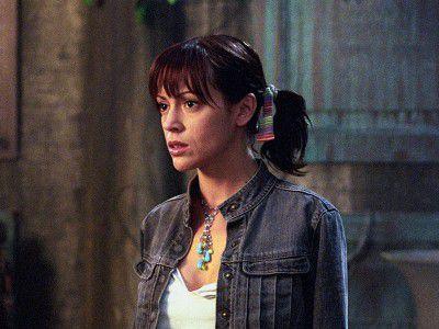Watch Siren Song (Ep 4) - Charmed - Season 5