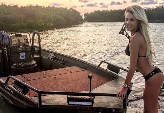 Brooke thomas is the most beautiful fisherwoman in the for Brooke thomas fishing
