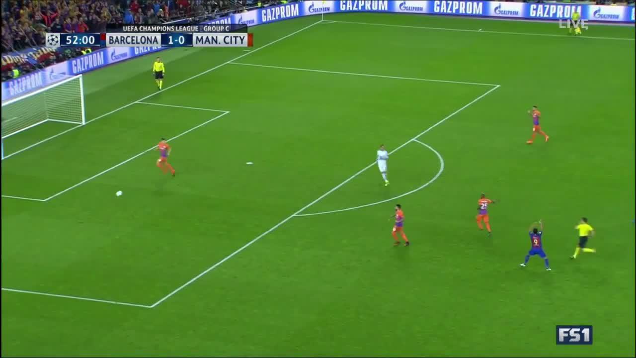 Claudio Bravo Brainless Handball and Red Card vs FC Barcelona, What was he thinking?