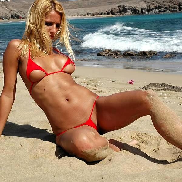 На Пляже В Экстрим Бикини Фото