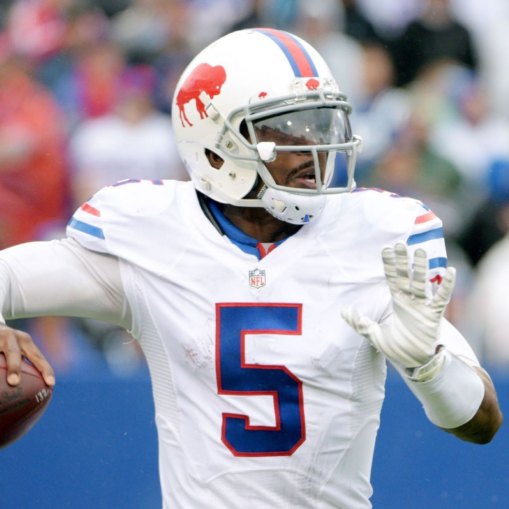 buffalo bills quarterback tyrod taylor gives nfl something. Black Bedroom Furniture Sets. Home Design Ideas