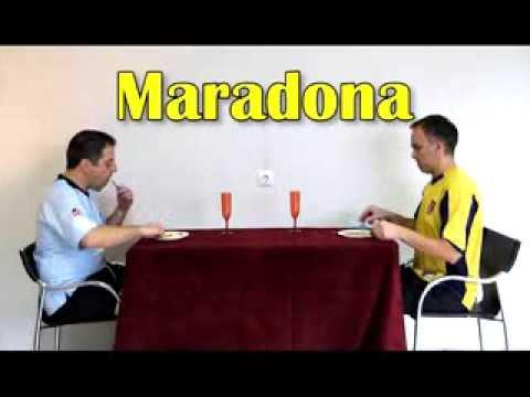 How Football Players Eat Their Food | Humor Cão