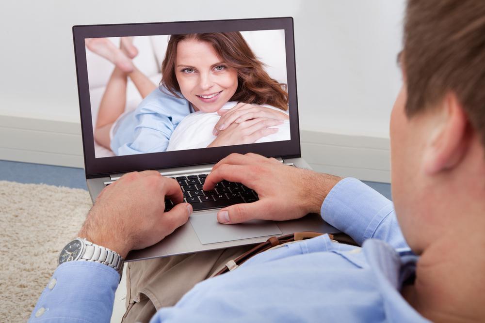 Онлайн знакомство по скайпу волосатые