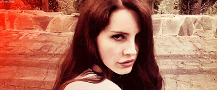 who is lana del rey dating Lana del rey stepped out with boyfriend barrie-james o'neill in london wearing a navajo-inspired jacket and blue jeans the born to die singer, 26, has been dating the scottish rocker of the.