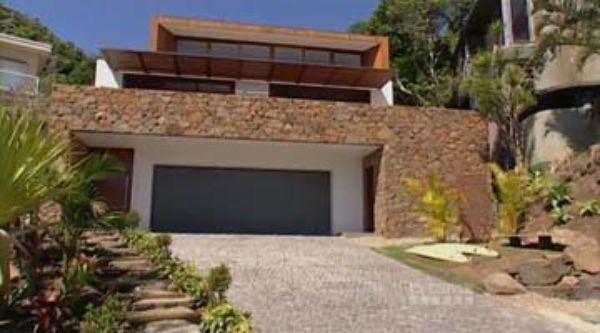 Watch byron bay beach house ep 5 grand designs for Beach house grand designs