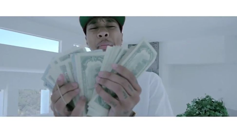 Tyga Lives The Baller Life In Master Suite Video