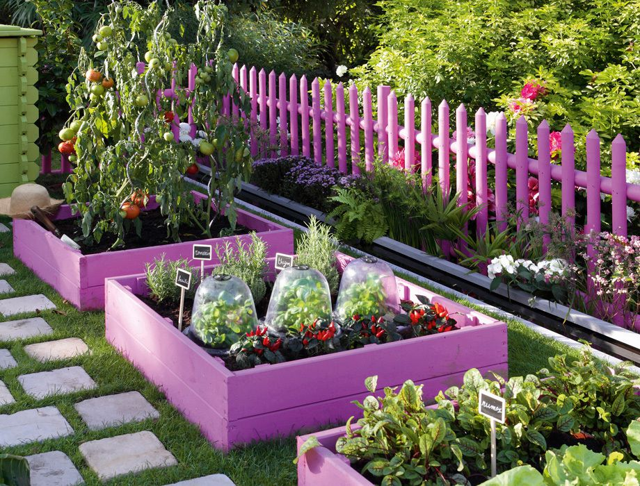 10 amazing garden bed edging ideas for your home for Amazing garden designs