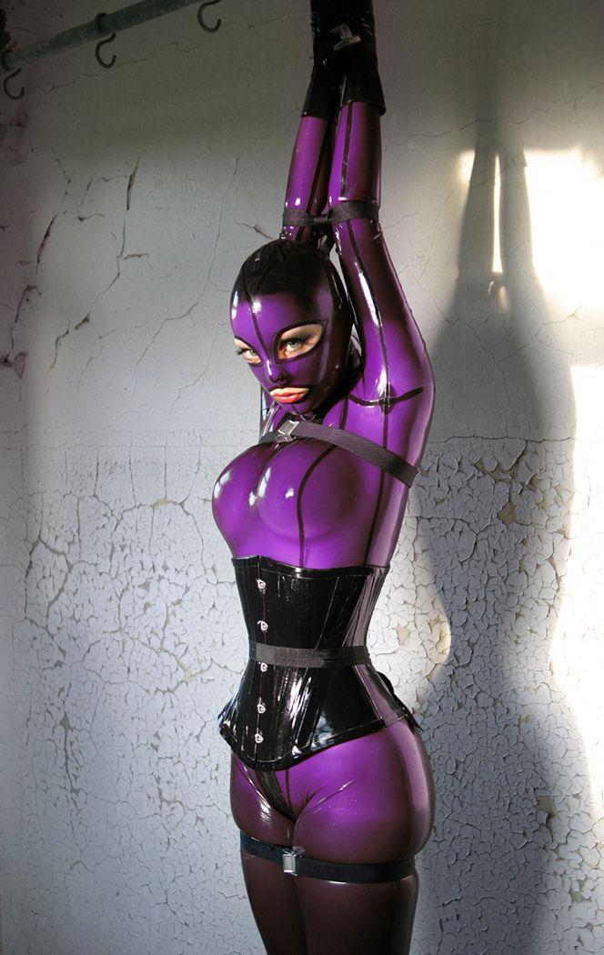 Бондаж девушки в костюмах, жопастые фото секс